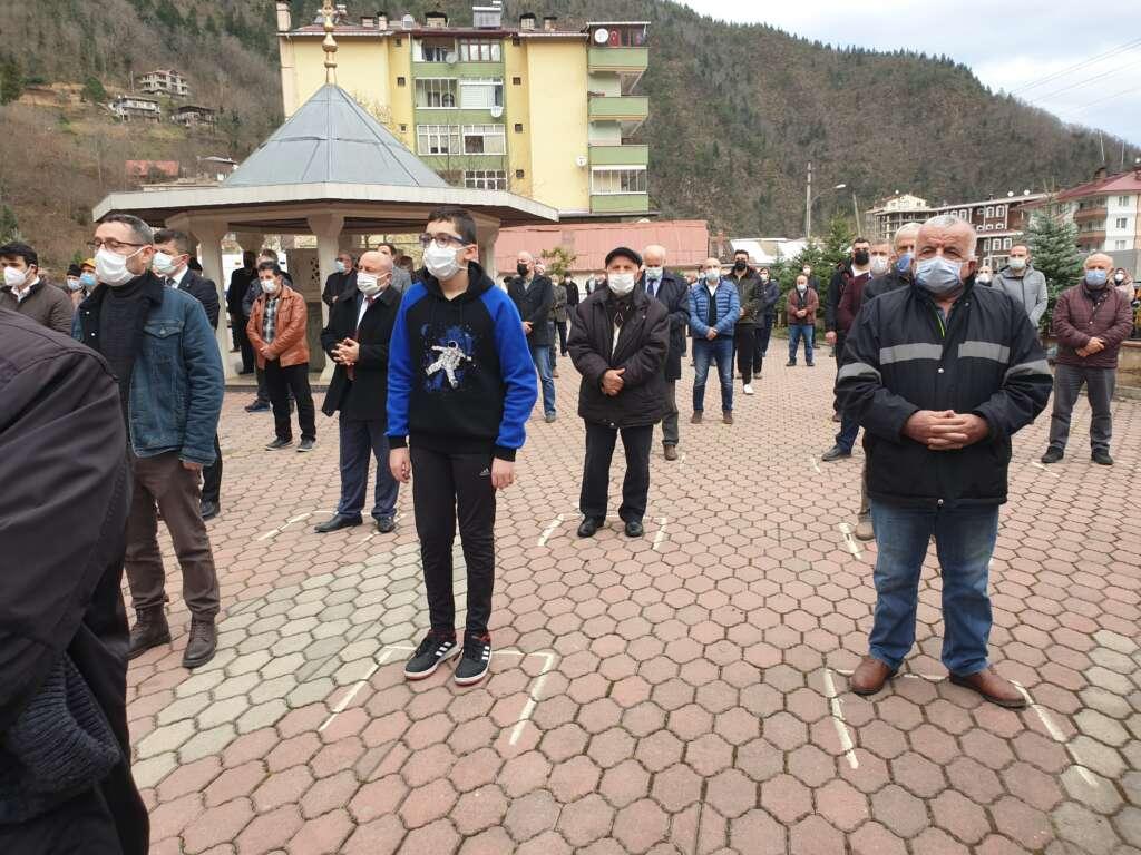 Emekli Öğretmen Mehmet Borazancı toprağa verildi 14