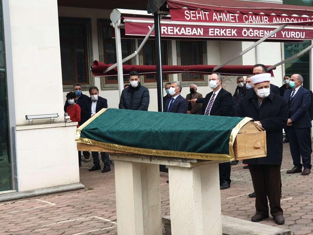 Emekli Öğretmen Mehmet Borazancı toprağa verildi 7