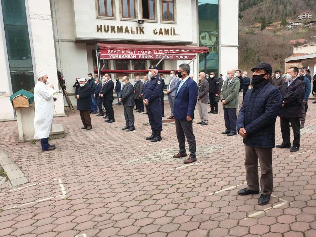 Emekli Öğretmen Mehmet Borazancı toprağa verildi 8