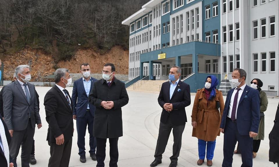 Trabzon Ak Parti Milletvekili Cora Çaykara'da 11