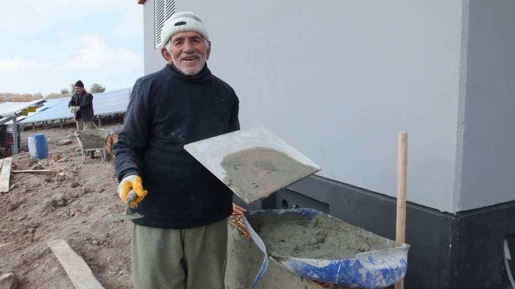 Çaykara'lı 85 yaşındaki Osman dede çalışkanlığı ile gençlere örnek oldu 2