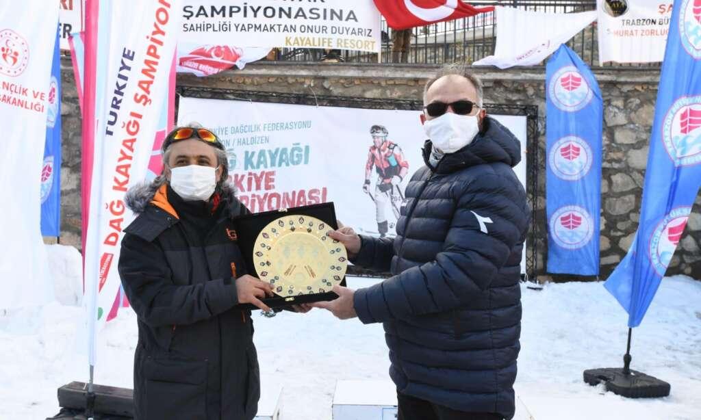 Haldızen yaylasında dağ kayağı şampiyonası tamamlandı 9
