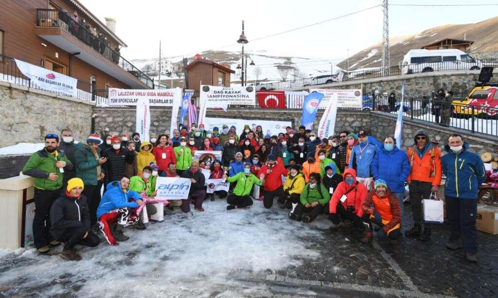 Haldızen yaylasında dağ kayağı şampiyonası tamamlandı 5