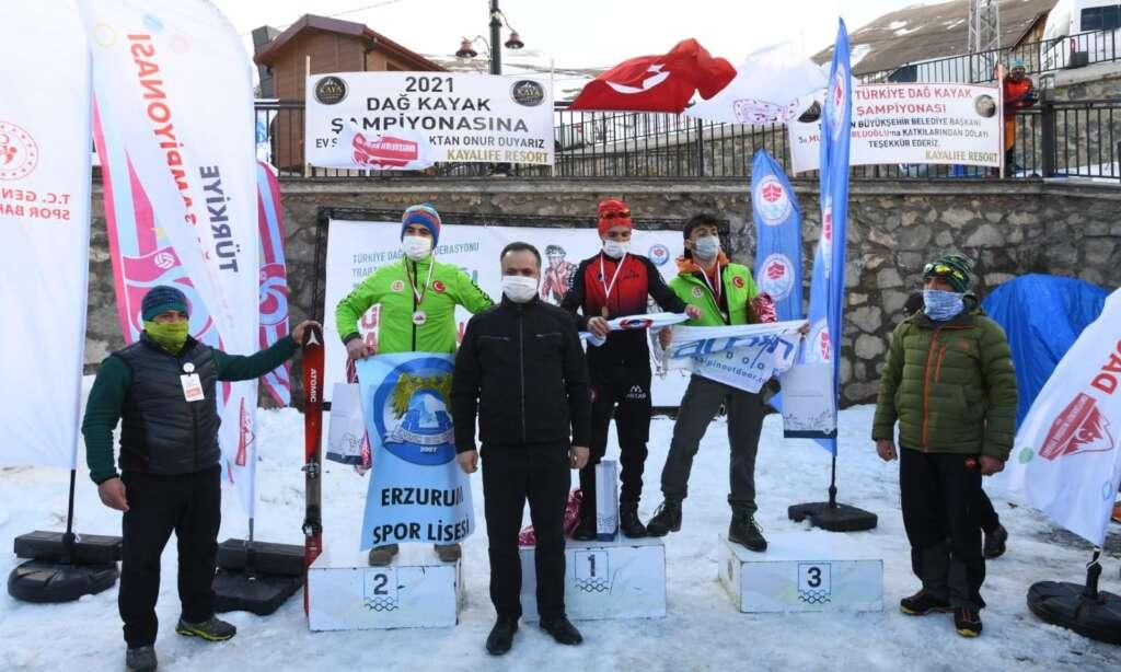 Haldızen yaylasında dağ kayağı şampiyonası tamamlandı 4