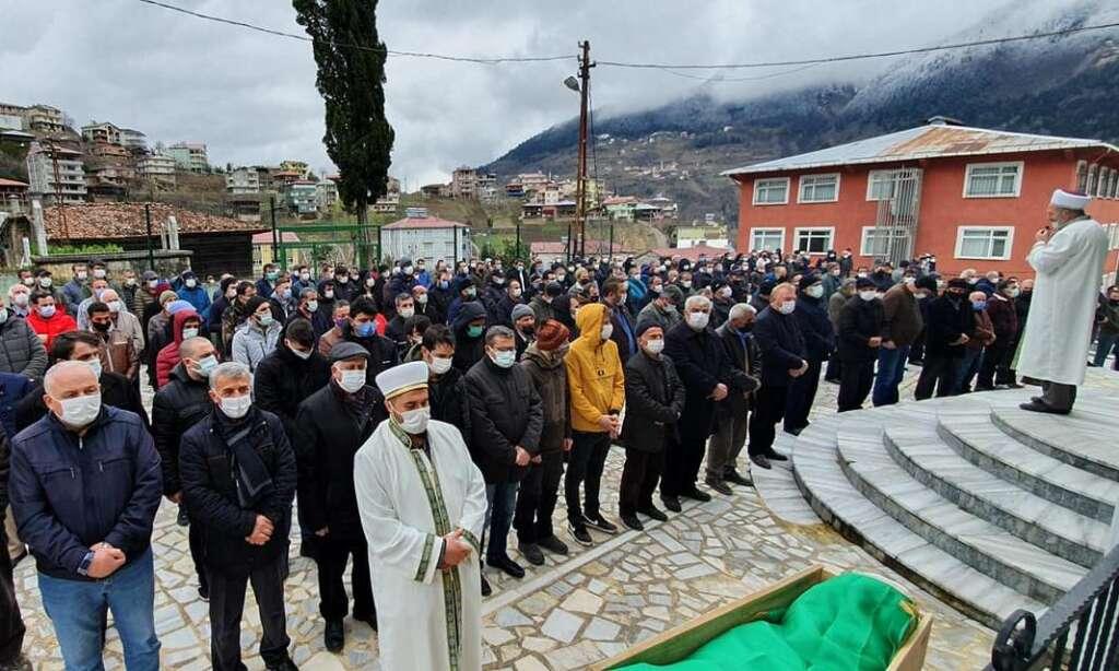 Kamil İkinci Ataköy Mahallesinde eşi Zeynep Ordu da sonsuza uğurlandı 1