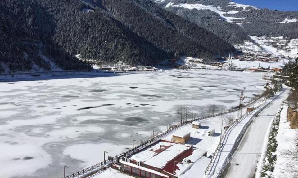 Uzungöl bu yıl ikinci kez buz tuttu