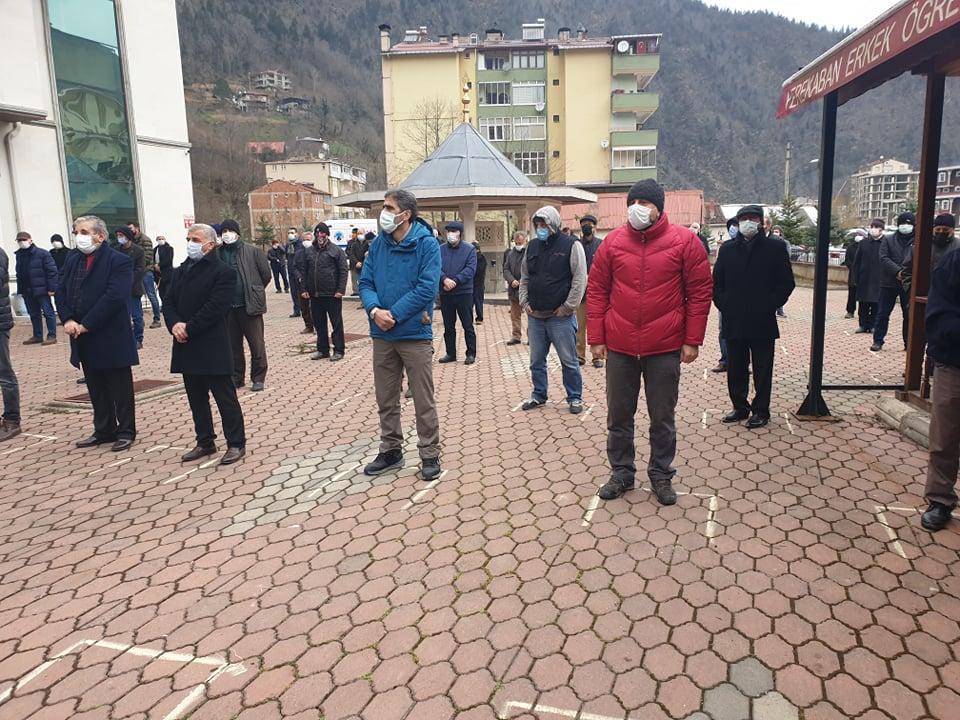 Trabzonspor kulübü eski başkan yardımcısı Öksüzoğlu toprağa verildi 6
