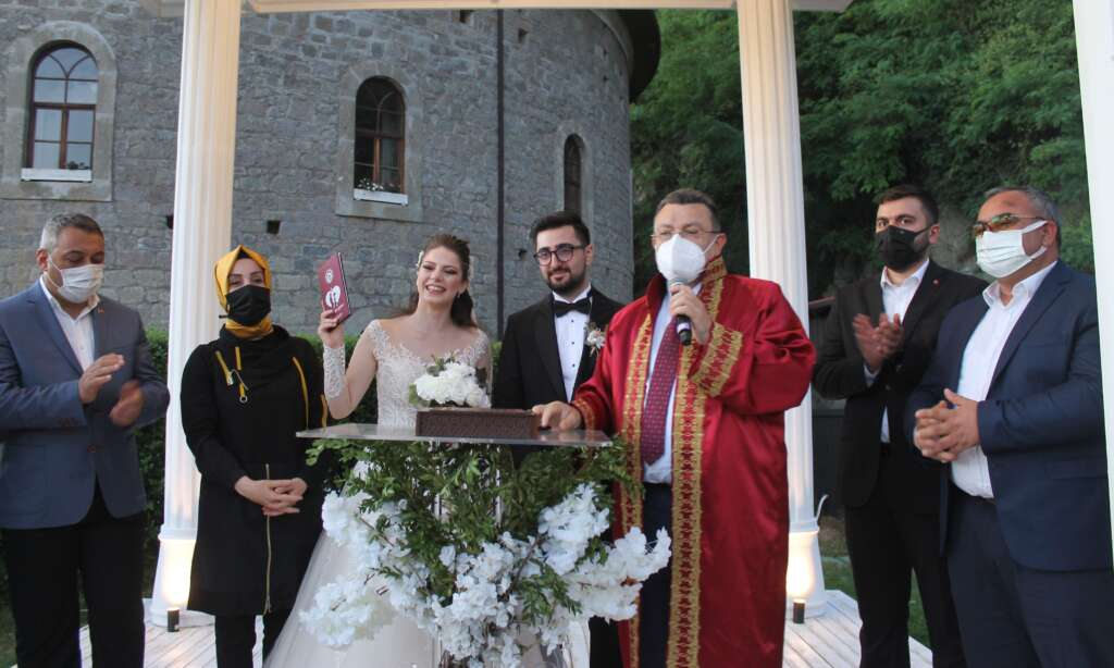 Ahmet Akyüz oğlu Ertuğrul'u evlendirdi 3