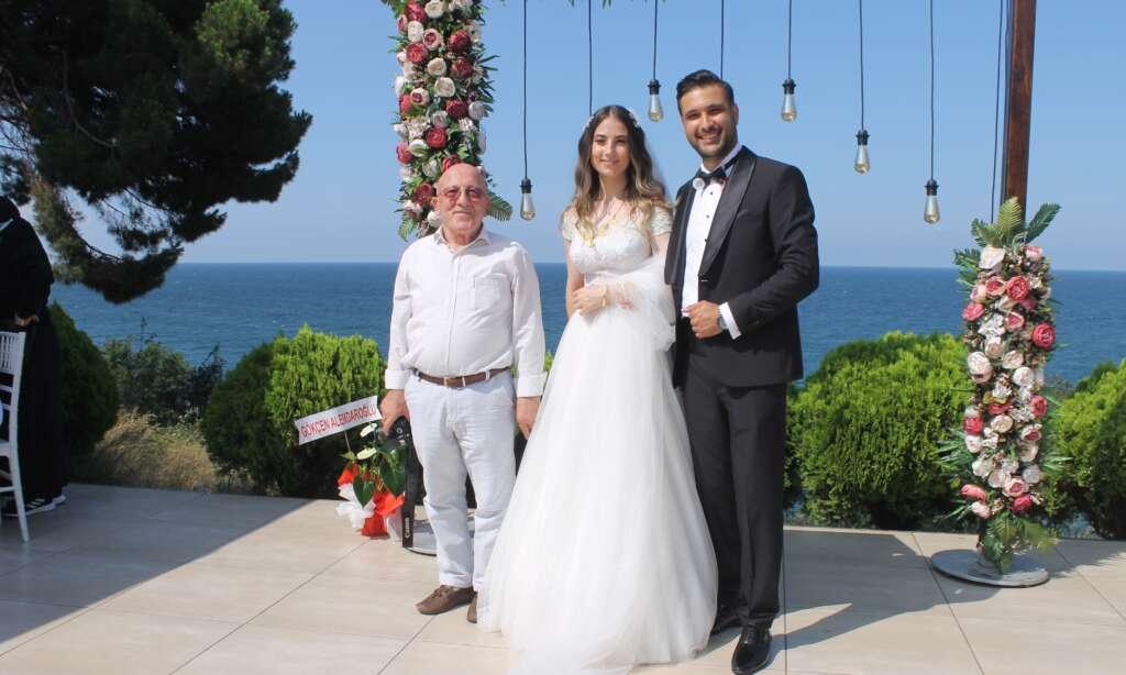 Kübra Akyüz ve Mustafa Akbaş'ın en mutlu günü 9