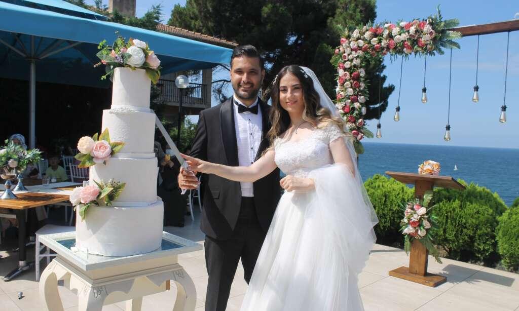 Kübra Akyüz ve Mustafa Akbaş'ın en mutlu günü 6