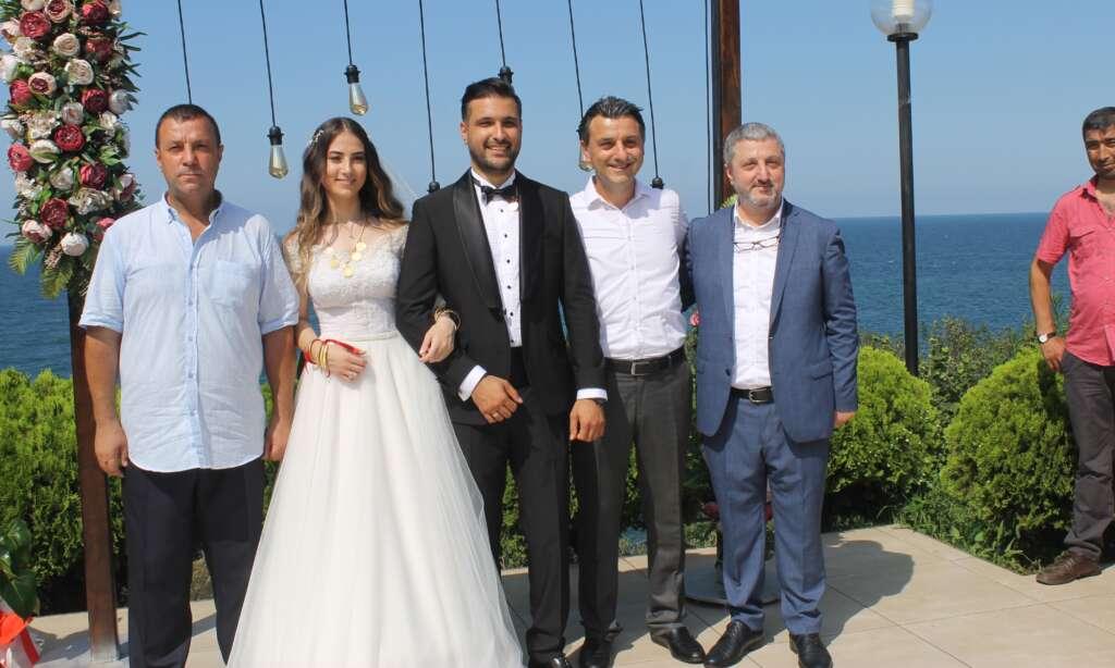 Kübra Akyüz ve Mustafa Akbaş'ın en mutlu günü 8