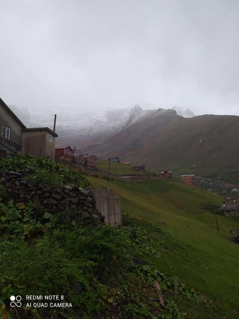 Çaykara dağlarına ilk kar düştü 3