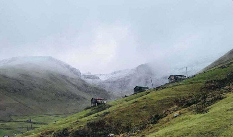 Çaykara dağlarına ilk kar düştü