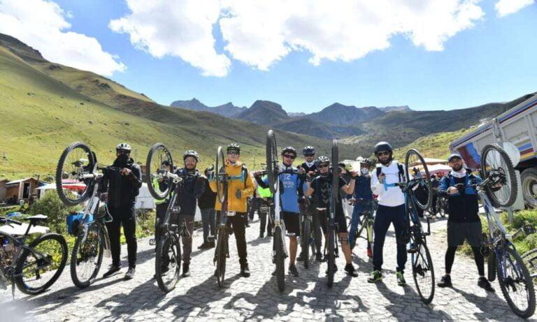 Haldızen Yaylası'nda bisiklet turu