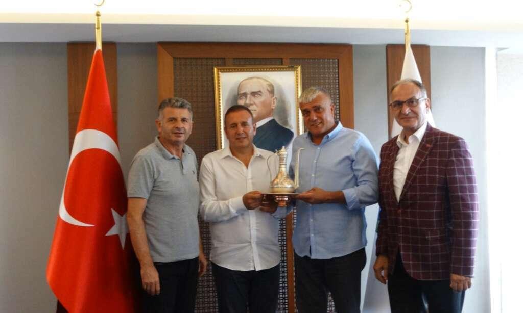 KKTC Çaykaralı Başkan çeşitli temaslarda bulunmak üzere Türkiye'de