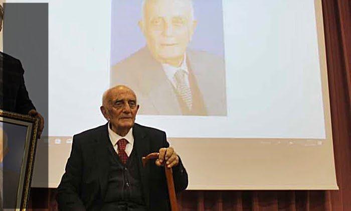 Asırlık eğitim çınarı Ahmet Gürsoy vefat etti