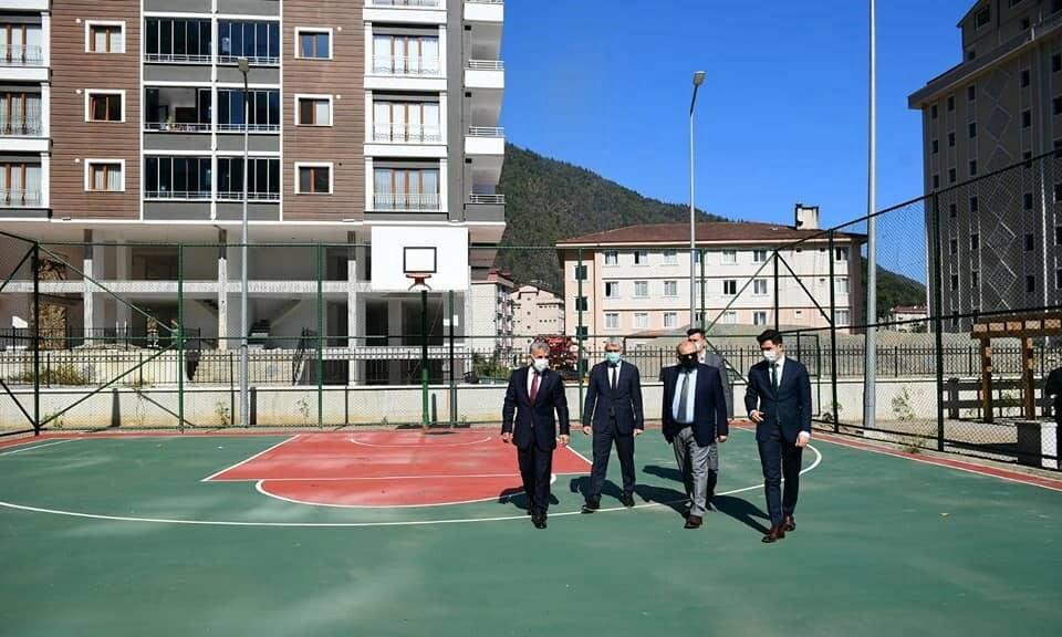 Vali Ustaoğlu Çaykara'da 2