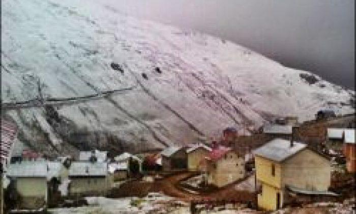 Yaylalarda Kar Göründü