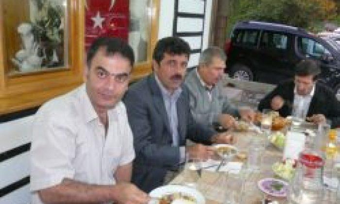İki Köy Muhtarı İftar yemeği Verdi.