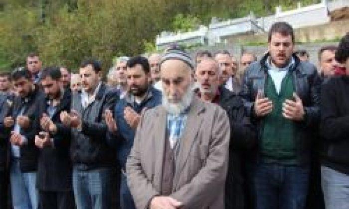 İş Adamı Mehmet Pakoğlu Dualarla Uğurlandı