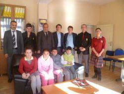 Okullar Çaykara öğrenci meclis başkanını seçti