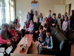 Öğrenciler Milli Eğitim Müdürünü Ziyaret etti