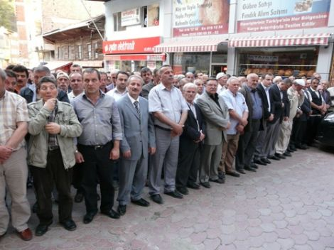 Ahmet Ziya Ayaz Dualarla Defnedildi 5