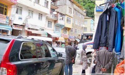 Çaykara'da Trafik Karmaşası