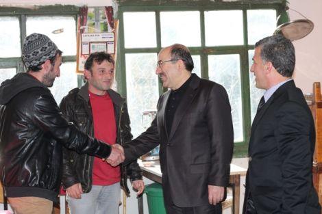 Orhan Fevzi Gümrükçüoğlu Çaykara'da Ziyaretlerde Bulundu 31