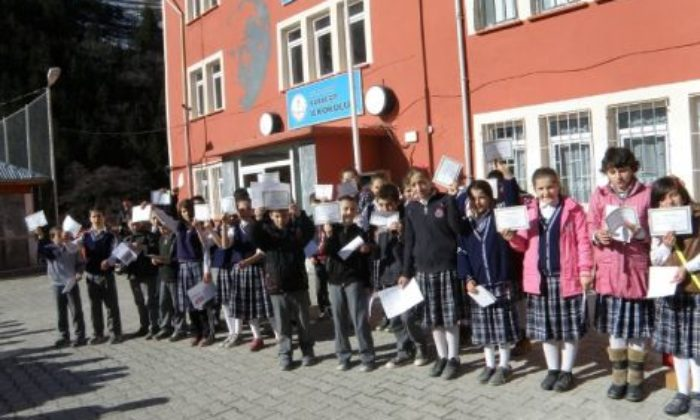 Karaçam Ortaokulunda Karne Heyecanı
