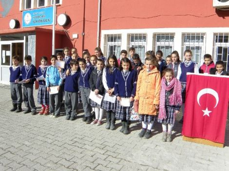 Karaçam Ortaokulunda Karne Heyecanı 2