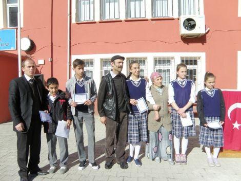 Karaçam Ortaokulunda Karne Heyecanı 4
